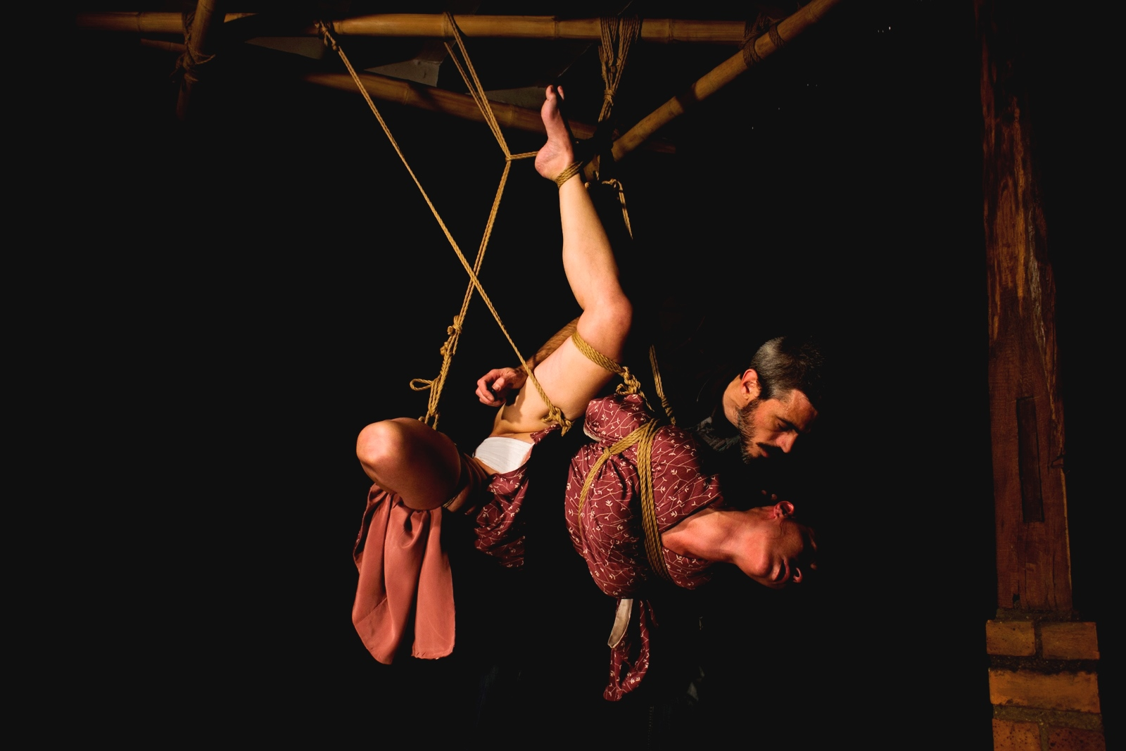 Ropesession private kinbaku gallerie
