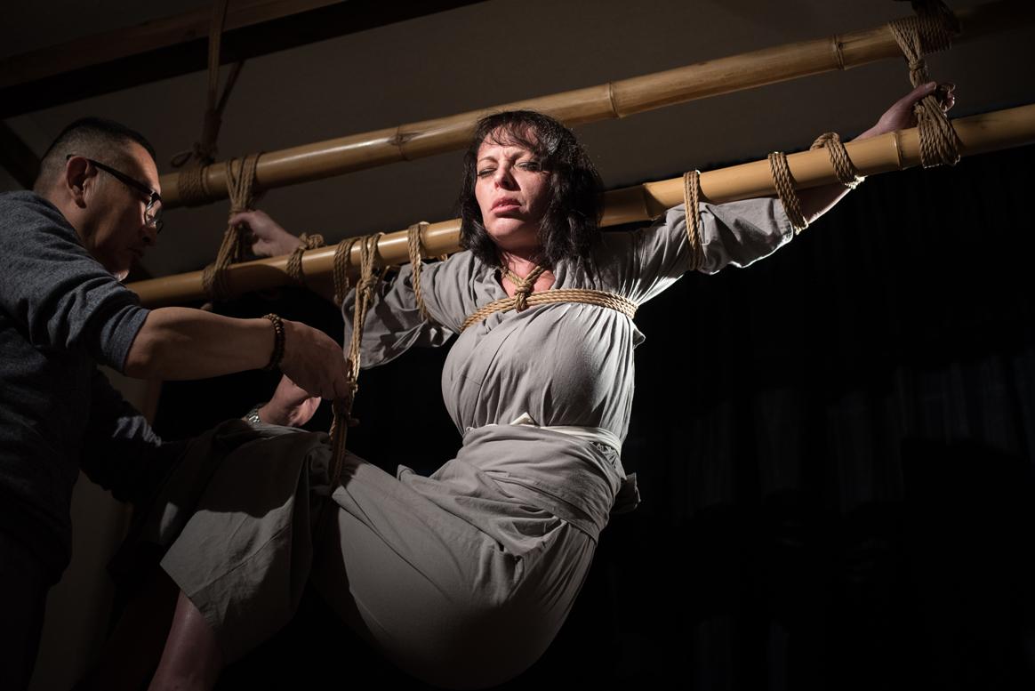 Tyka dans les cordes de Naka Akira Photo Erisa Sato 05