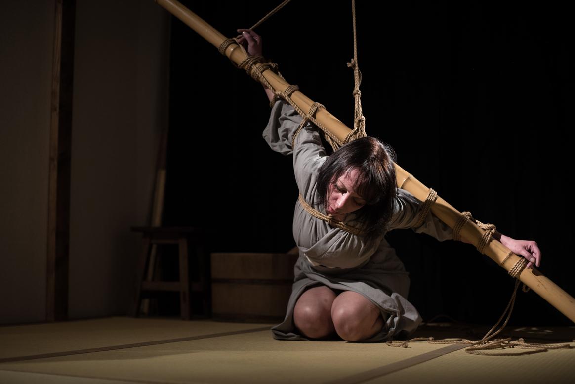 Tyka dans les cordes de Naka Akira Photo Erisa Sato 07